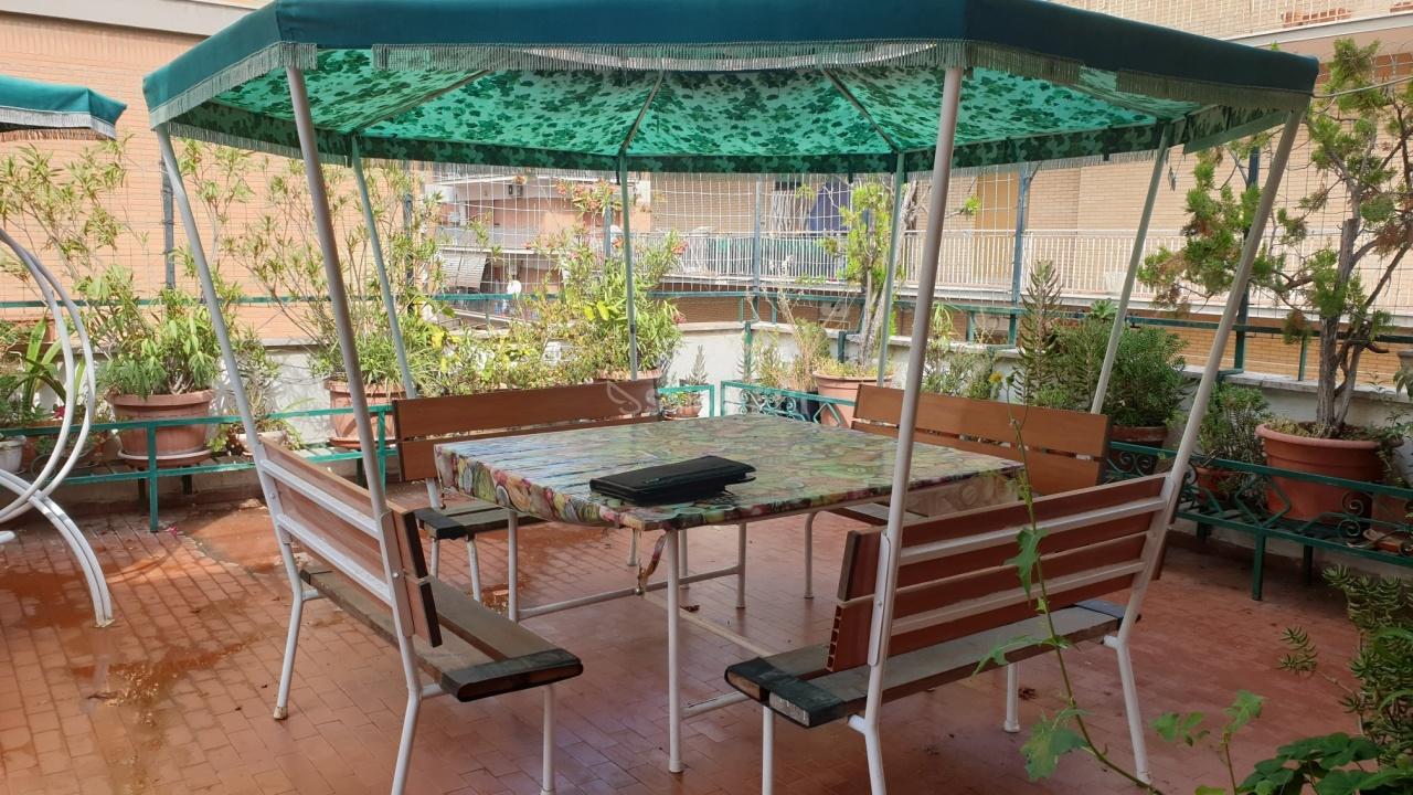 Quadrilocale in discrete condizioni in affitto Rif. 11167885