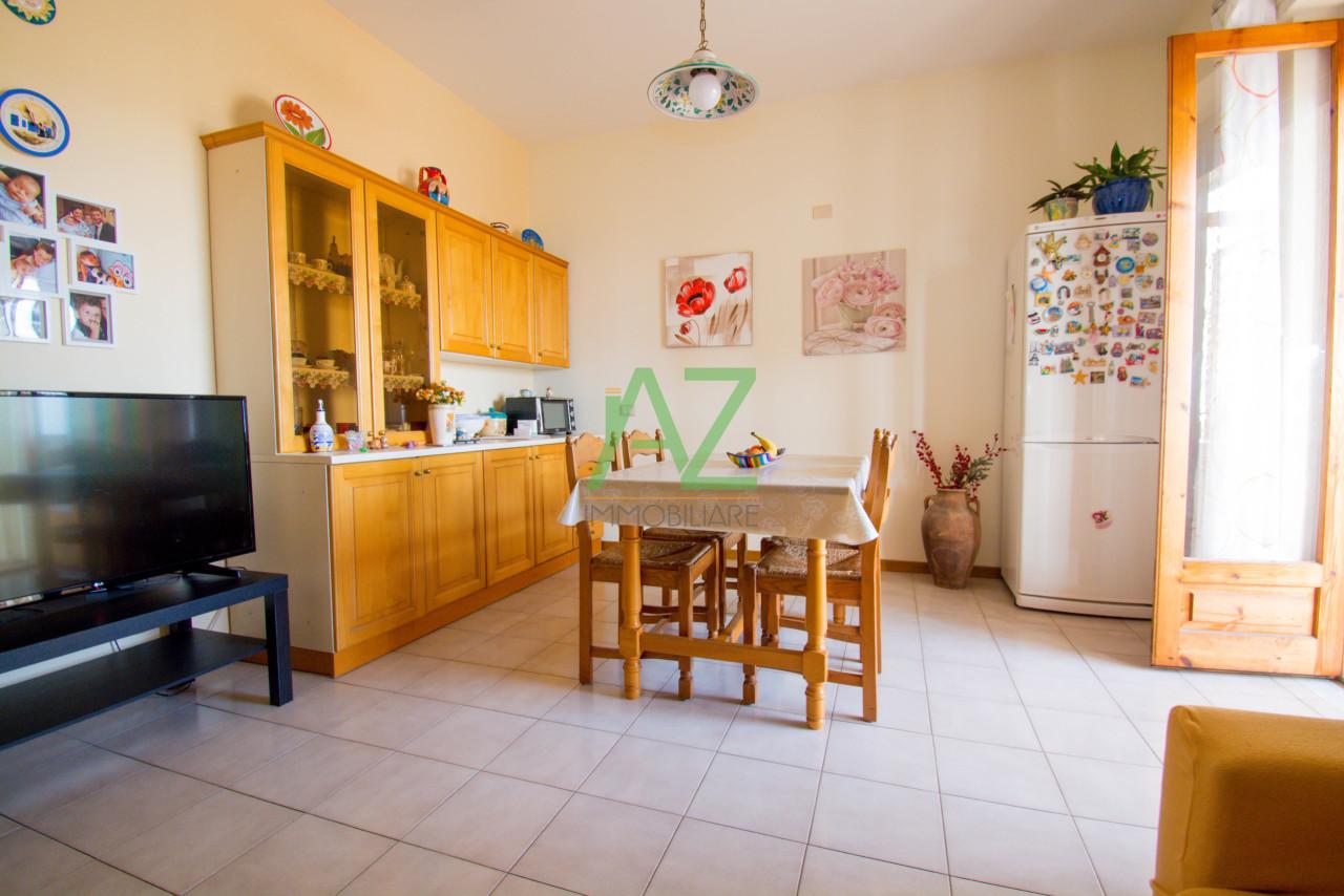 Appartamento in buone condizioni in vendita Rif. 9122191
