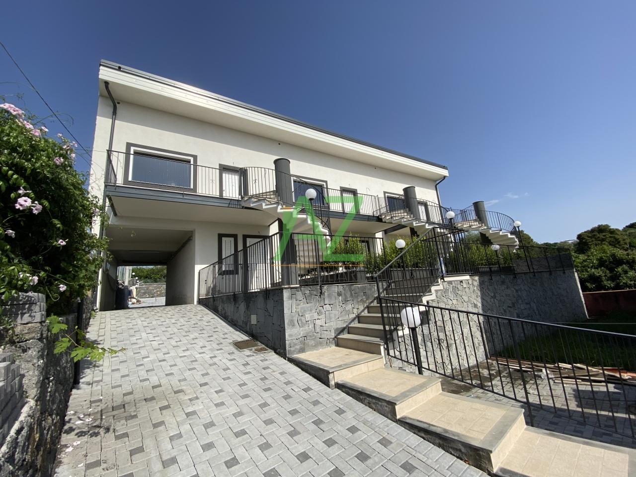 Appartamento in vendita a Acireale, 3 locali, prezzo € 160.000 | PortaleAgenzieImmobiliari.it