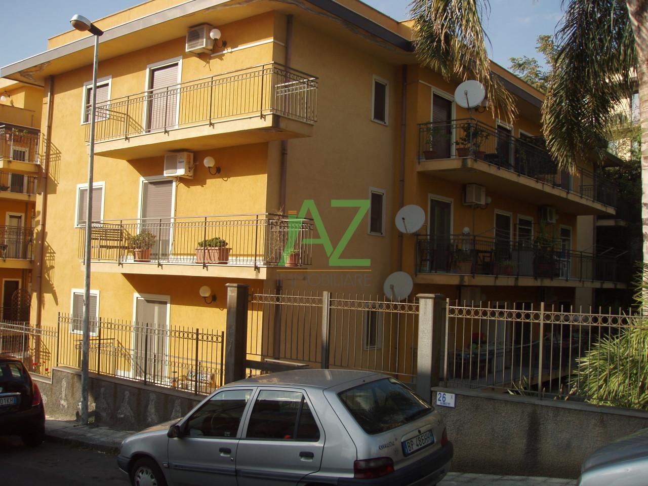 Appartamento in buone condizioni in vendita Rif. 10280848