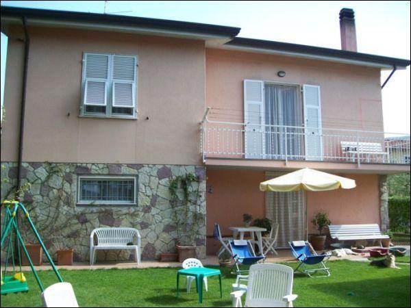 Casa indipendente - Villa a Sarzanello, Sarzana