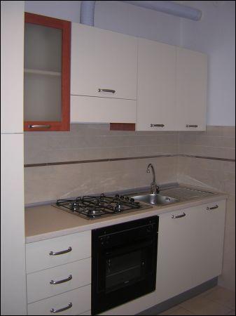 Appartamento in affitto a Sarzana, 4 locali, prezzo € 700 | CambioCasa.it