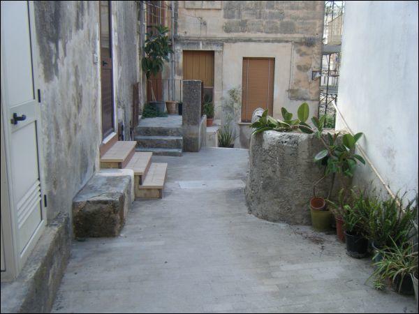 CASA SINGOLA - AFFIANCATA a MODICA BASSA, Modica