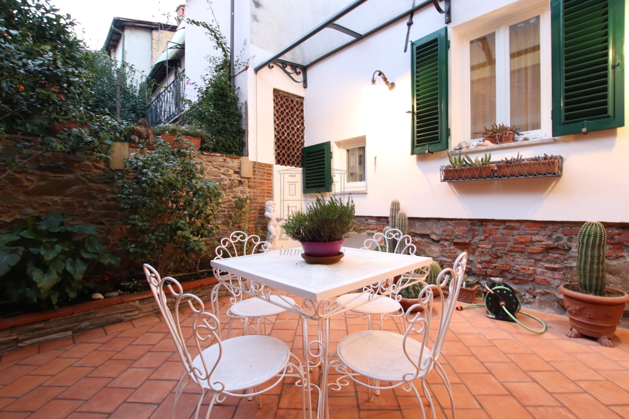 Appartamento Lucca Centro storico IA03524 img 3