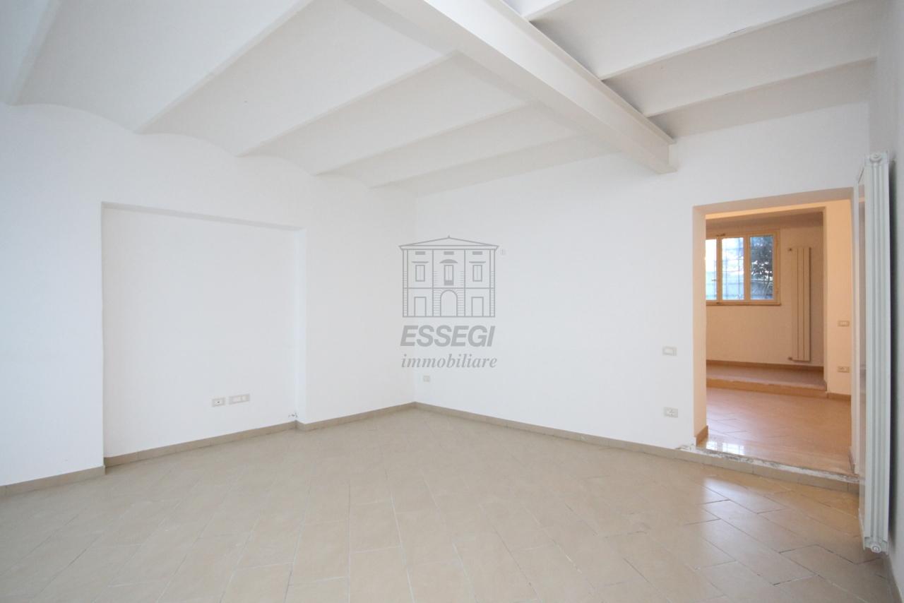 Appartamento Lucca Centro storico IA03397-bis img 3