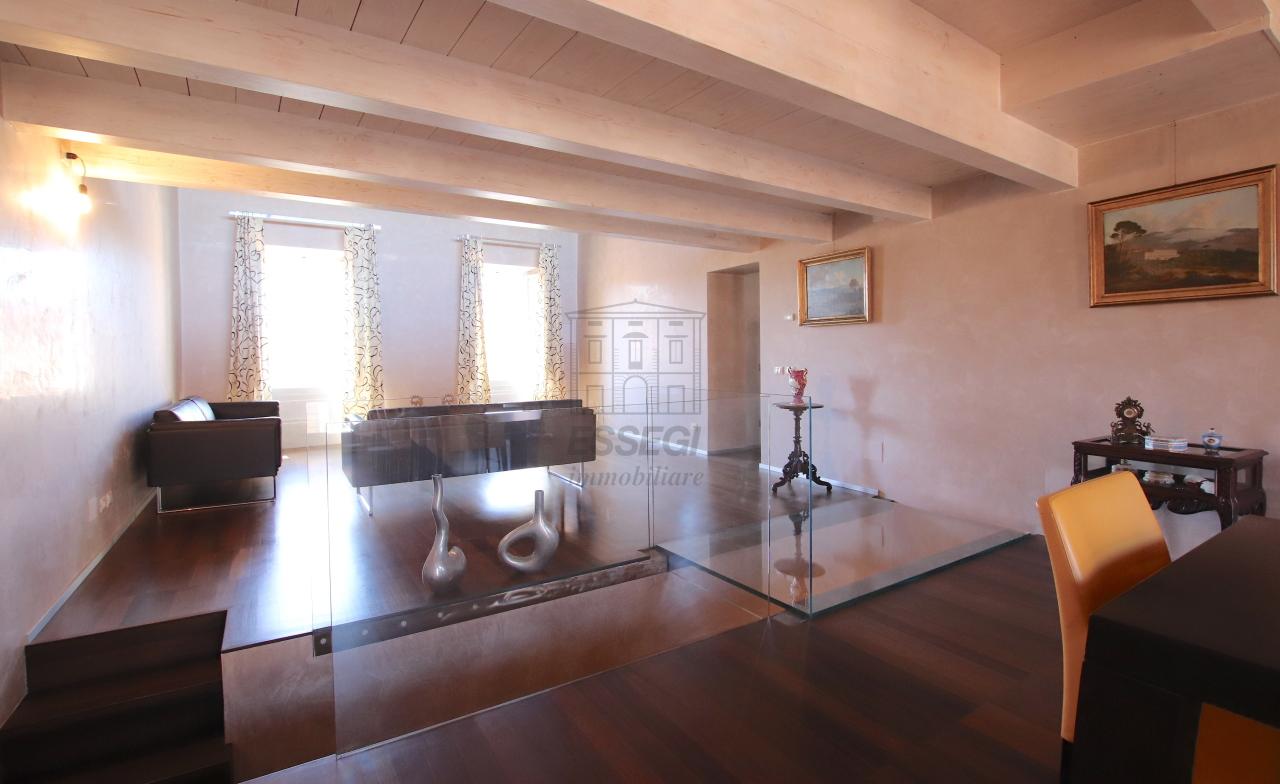 Appartamento Lucca Centro storico IA03502 img 16