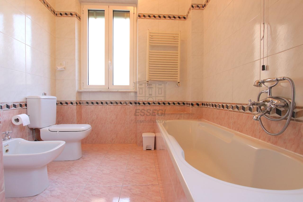 Appartamento Lucca Centro storico IA03526 img 13