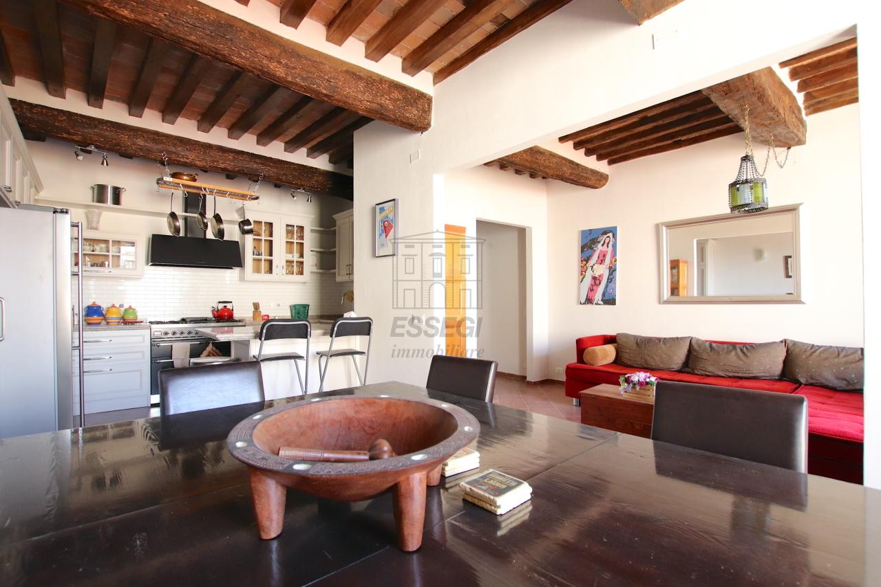 Appartamento Lucca Centro storico IA01844 img 4