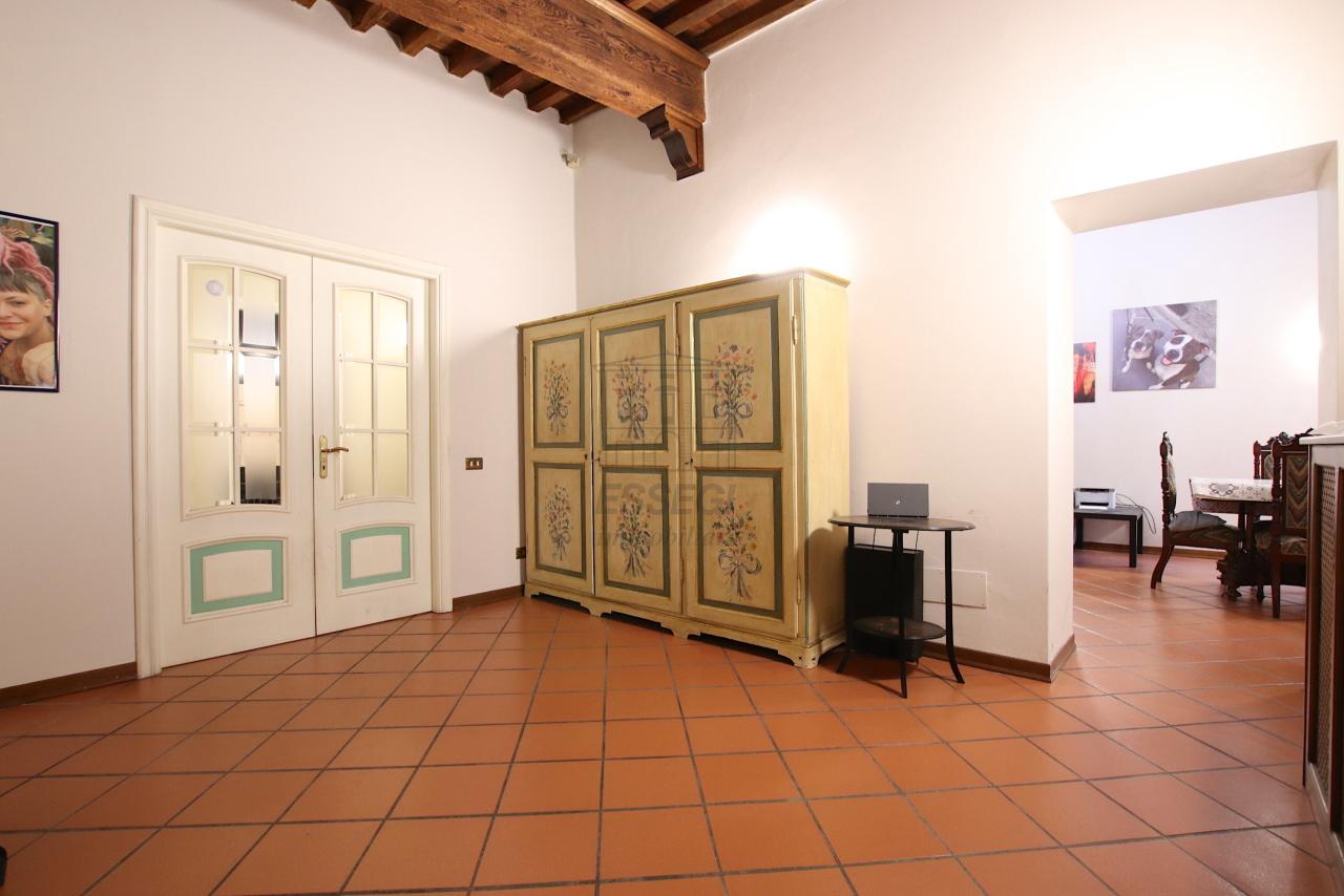 Appartamento Lucca Centro storico IA00362 img 3