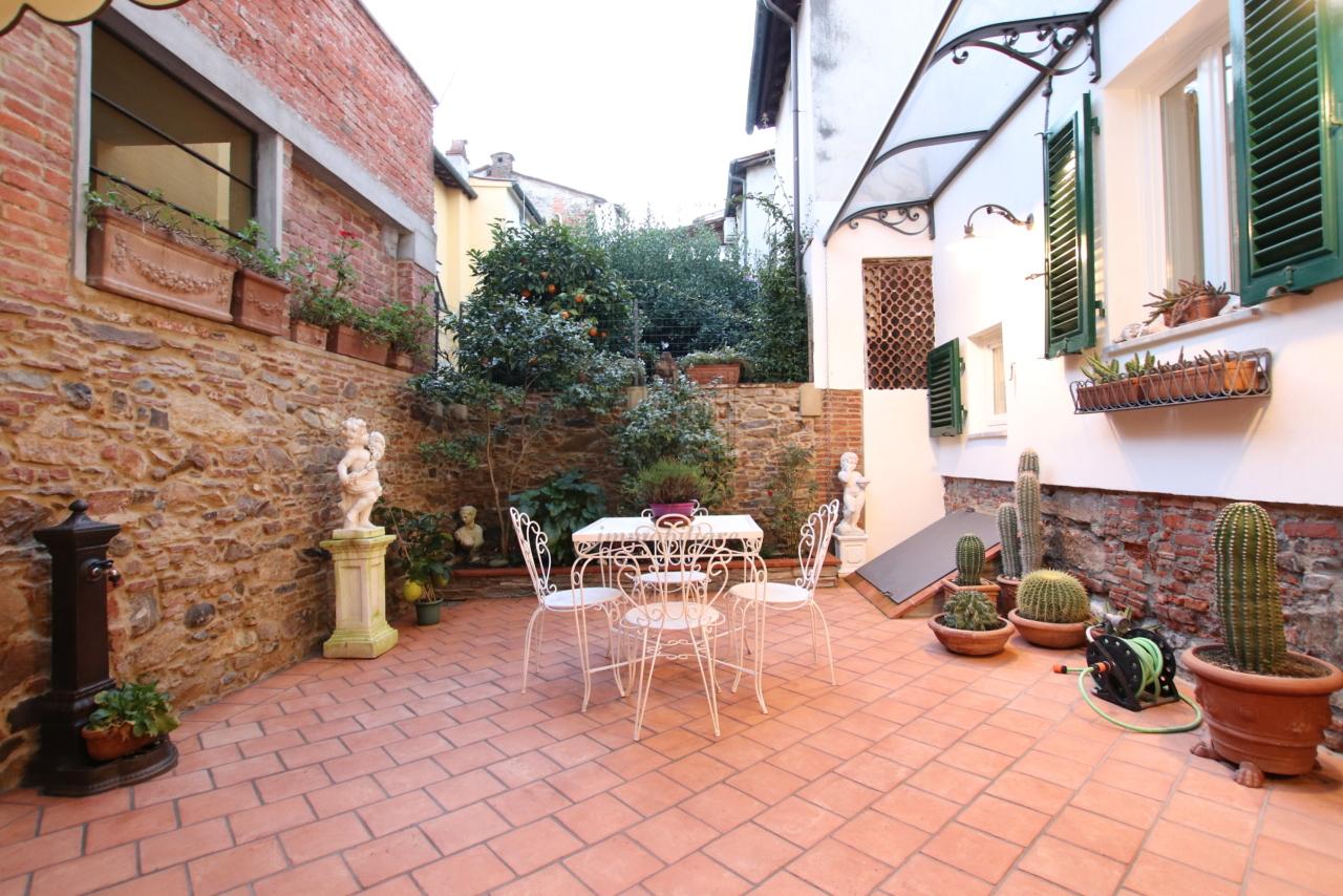 Appartamento Lucca Centro storico IA03524 img 19