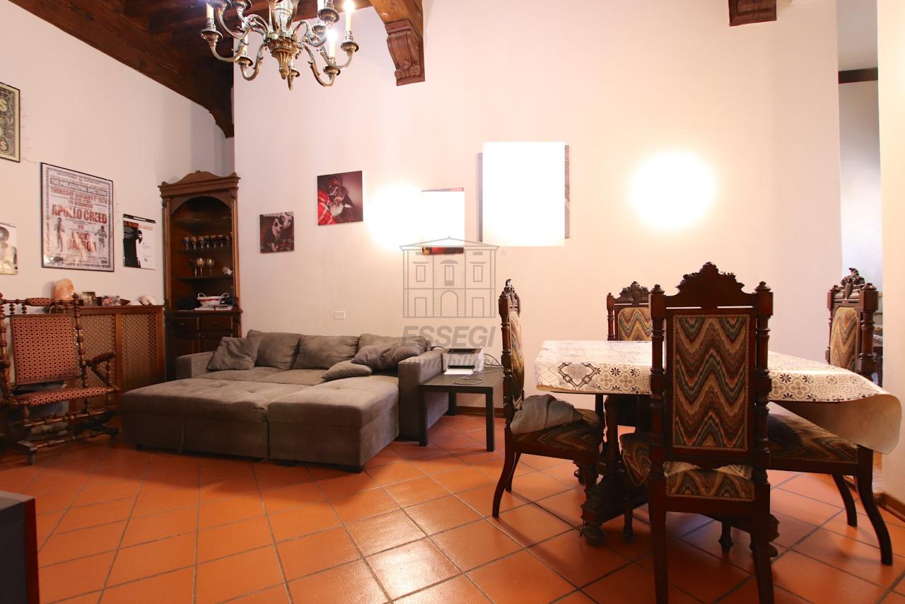 Appartamento Lucca Centro storico IA00362 img 9