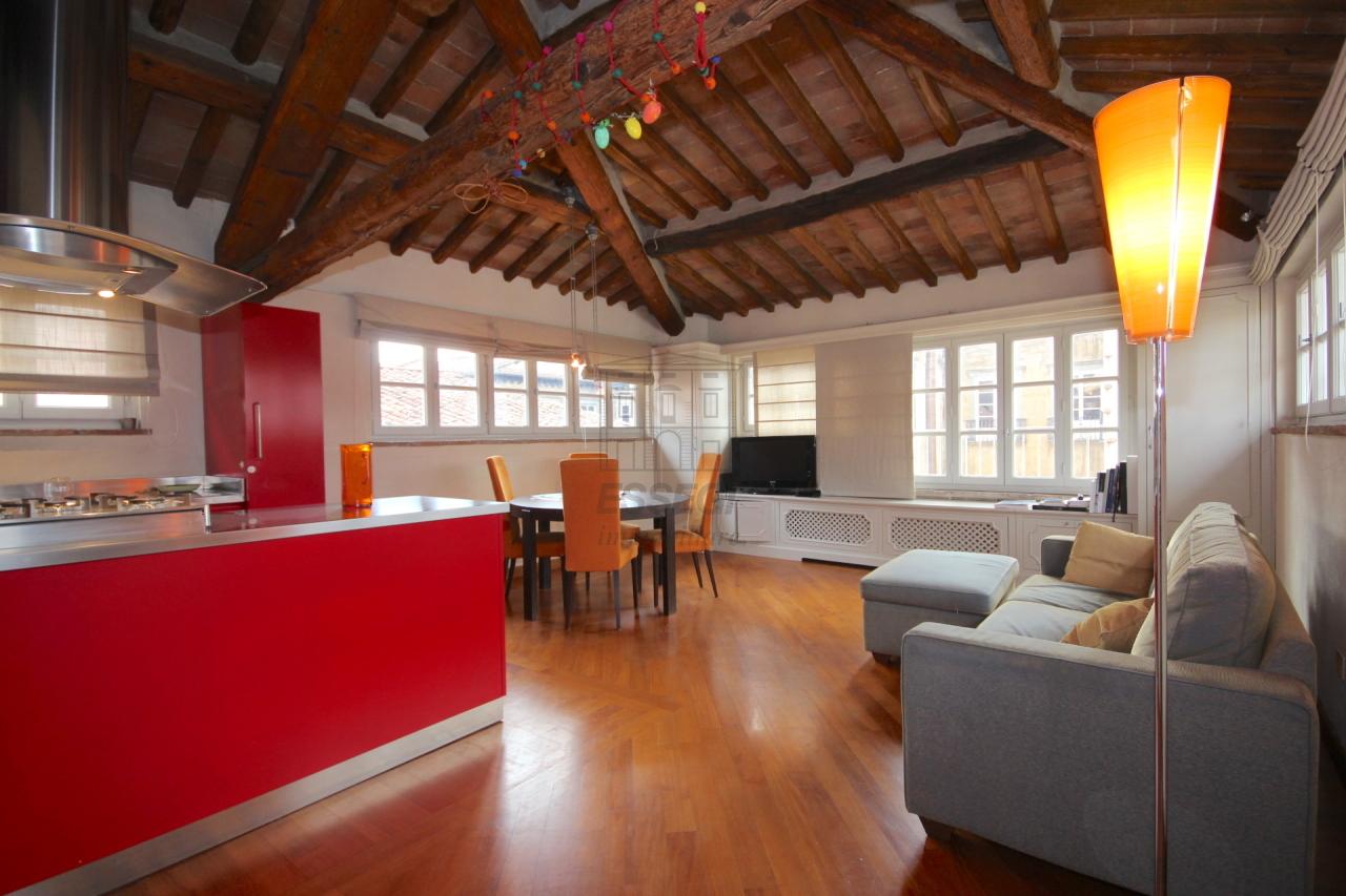 Appartamento Lucca Centro storico IA02935 img 2