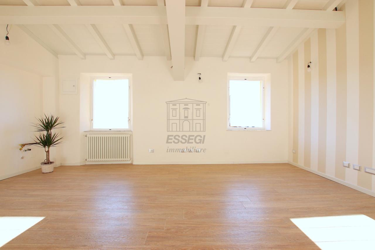 Appartamento Lucca Centro storico IA01850-bis img 11