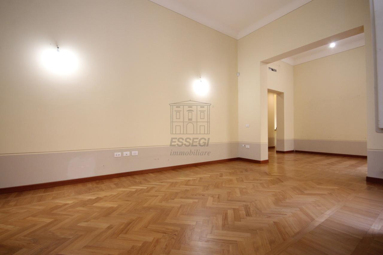 Appartamento Lucca Centro storico IA01207-bis img 2