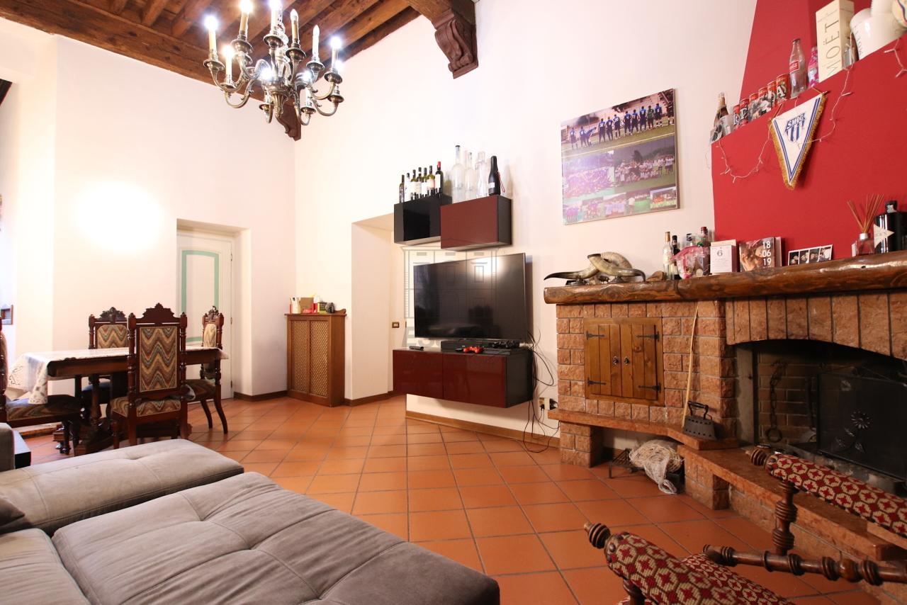 Appartamento Lucca Centro storico IA00362 img 2