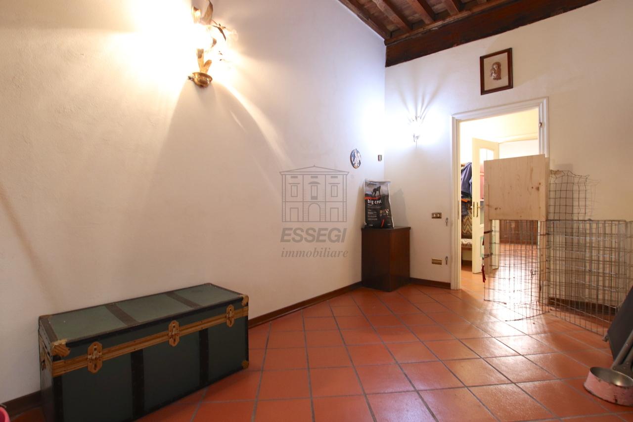 Appartamento Lucca Centro storico IA00362 img 24