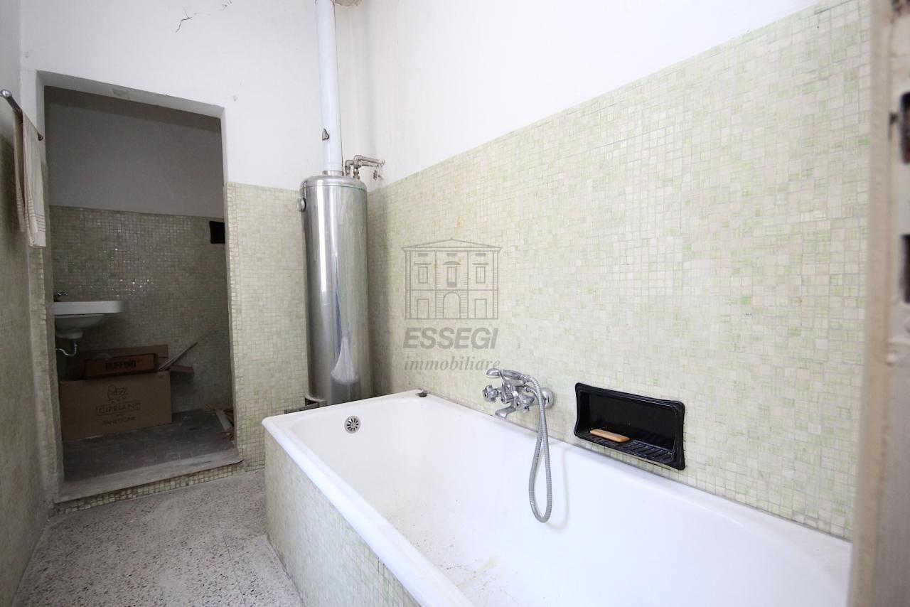 Appartamento Lucca Centro storico IA03446 img 18