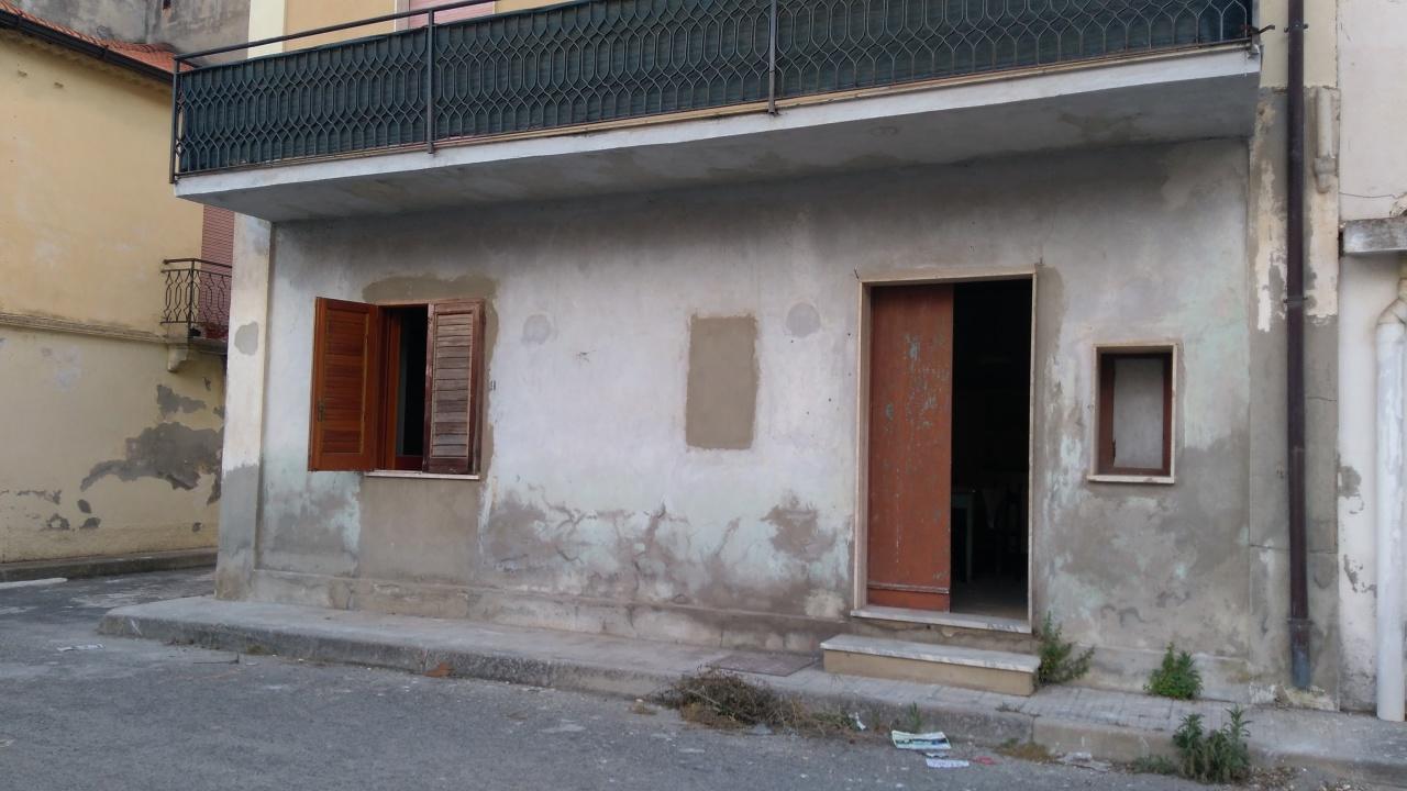 Appartamento in vendita a Nicotera, 2 locali, prezzo € 25.000 | CambioCasa.it