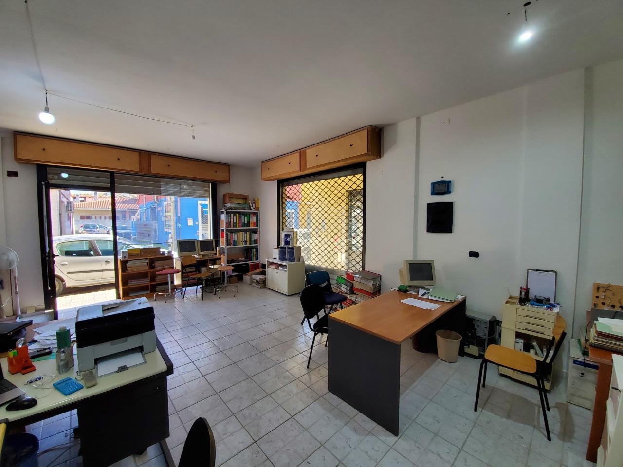 Negozio / Locale in affitto a Uta, 1 locali, prezzo € 500 | CambioCasa.it