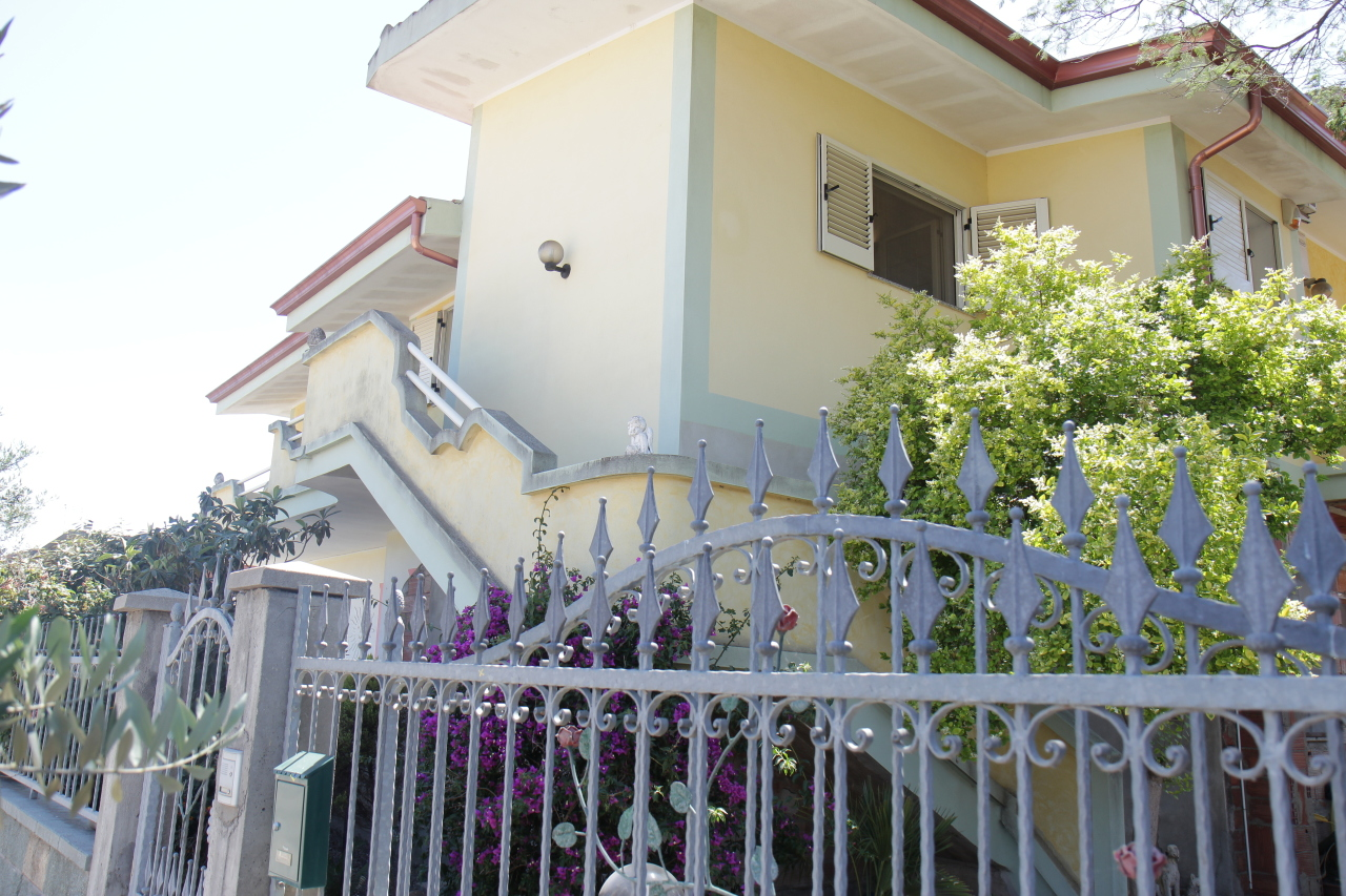 Casa Indipendente in ottime condizioni in vendita Rif. 4137628