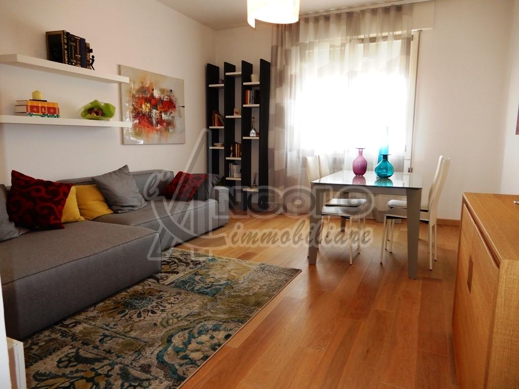 Appartamento in vendita a Rovigo, 5 locali, prezzo € 115.000 | PortaleAgenzieImmobiliari.it