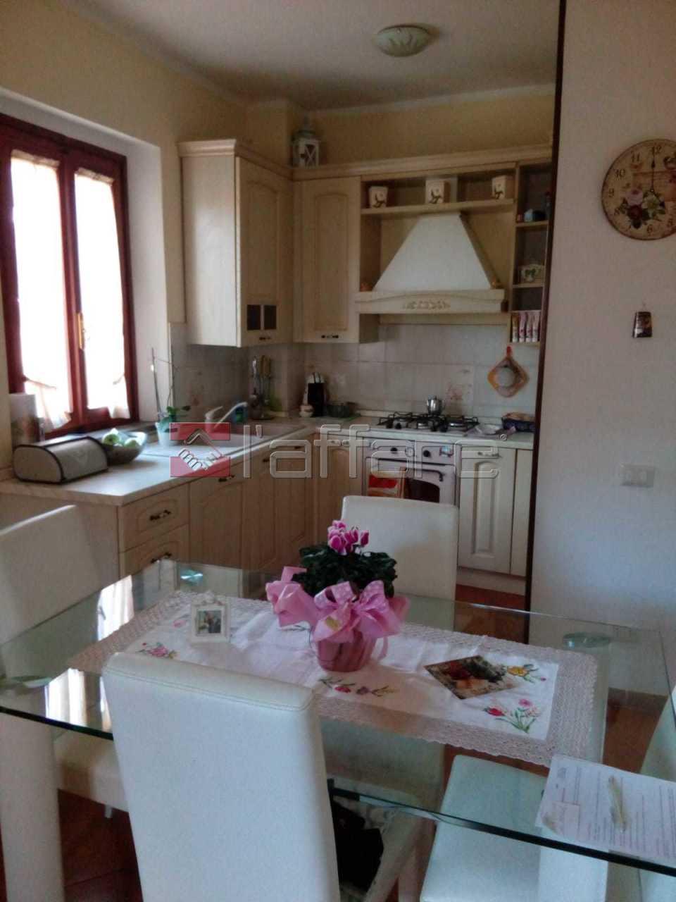 Appartamento in buone condizioni in vendita Rif. 8107122