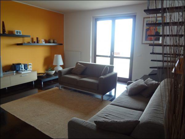 Appartamento in ottime condizioni in vendita Rif. 7026741