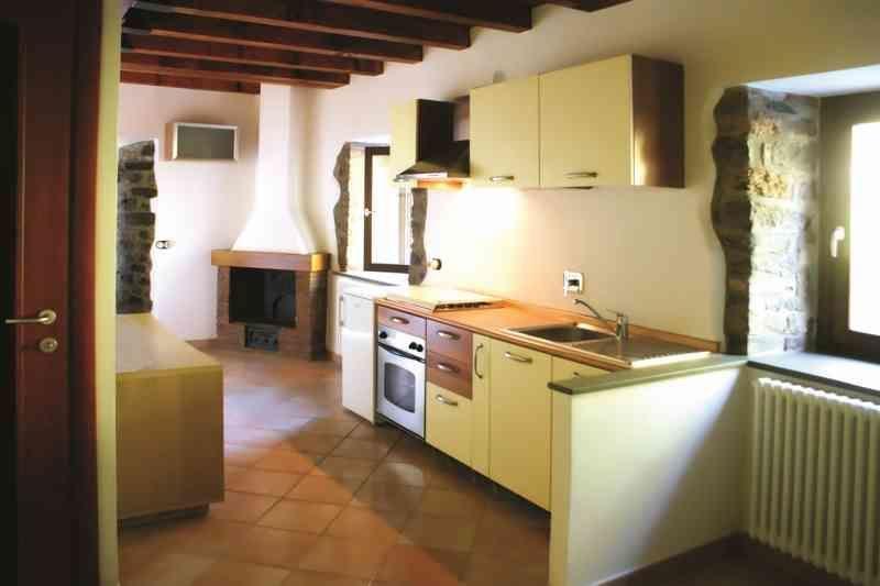 Appartamento in ottime condizioni arredato in vendita Rif. 5792794