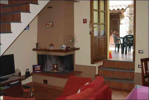 Appartamento - ingresso indipendente a Licciana Nardi