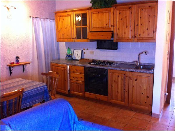 Bilocale in buone condizioni arredato in affitto Rif. 9863599