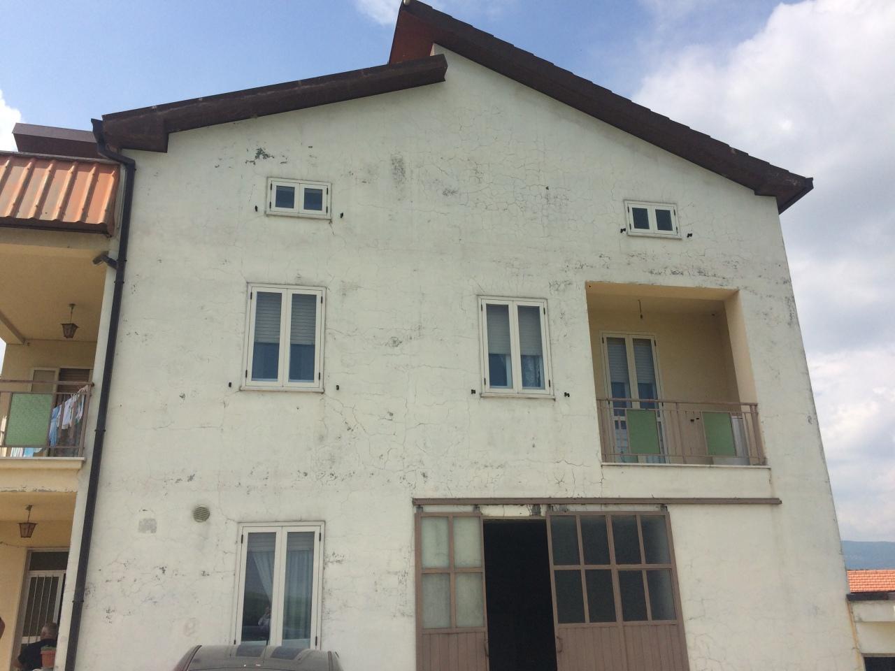 Rustico / Casale da ristrutturare in vendita Rif. 6836715