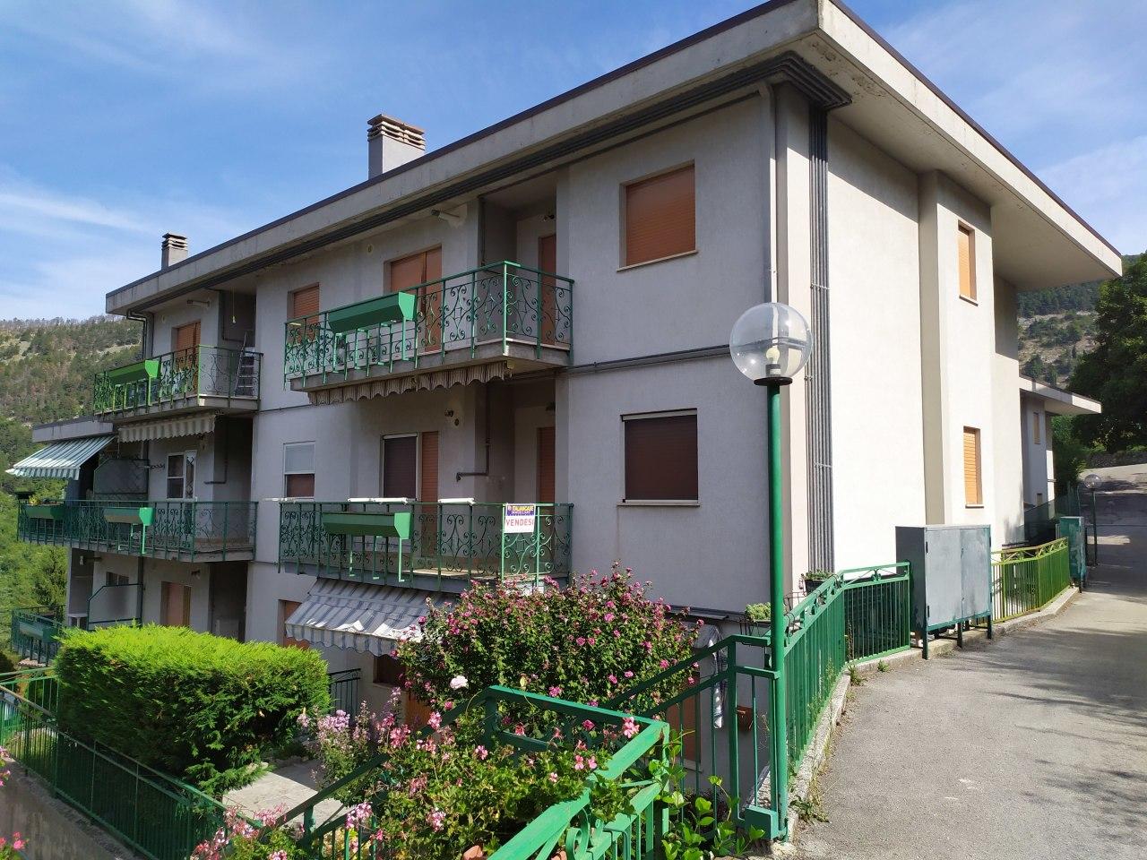 Appartamento in vendita a Caramanico Terme, 4 locali, prezzo € 58.000 | PortaleAgenzieImmobiliari.it