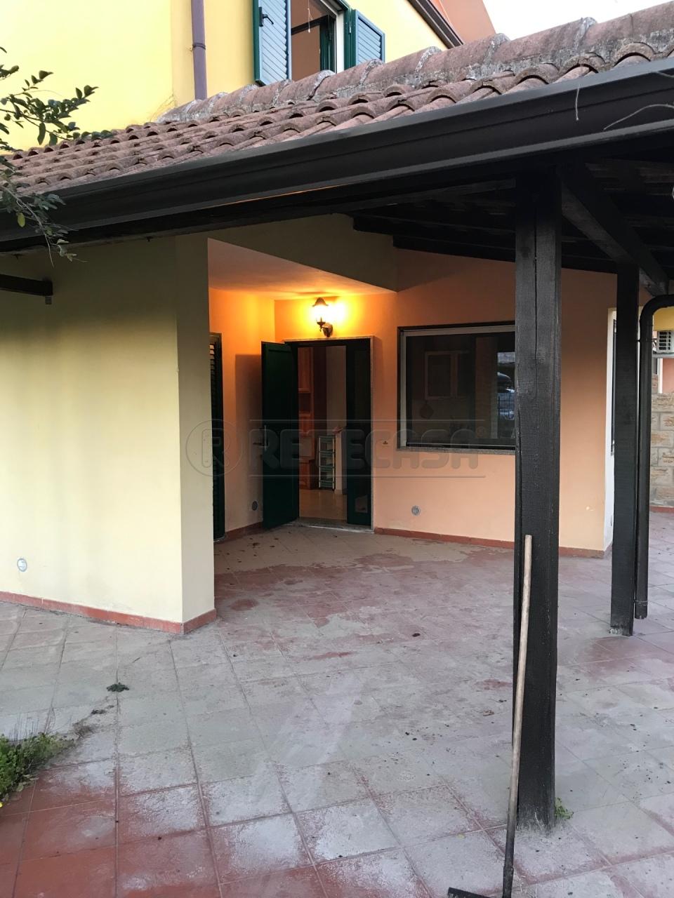 Villa in buone condizioni in vendita Rif. 9284500