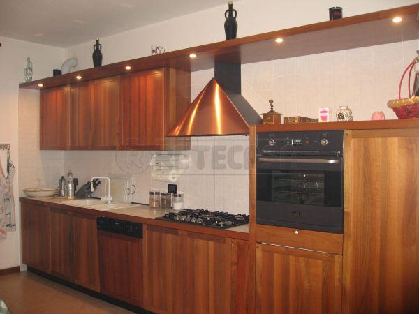 Appartamento in ottime condizioni arredato in affitto Rif. 11028051