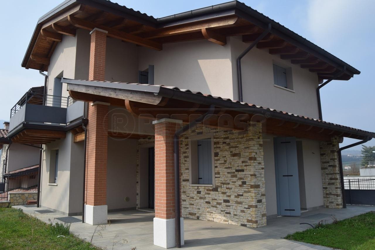 Villa in vendita a Malo, 11 locali, prezzo € 430.000   CambioCasa.it