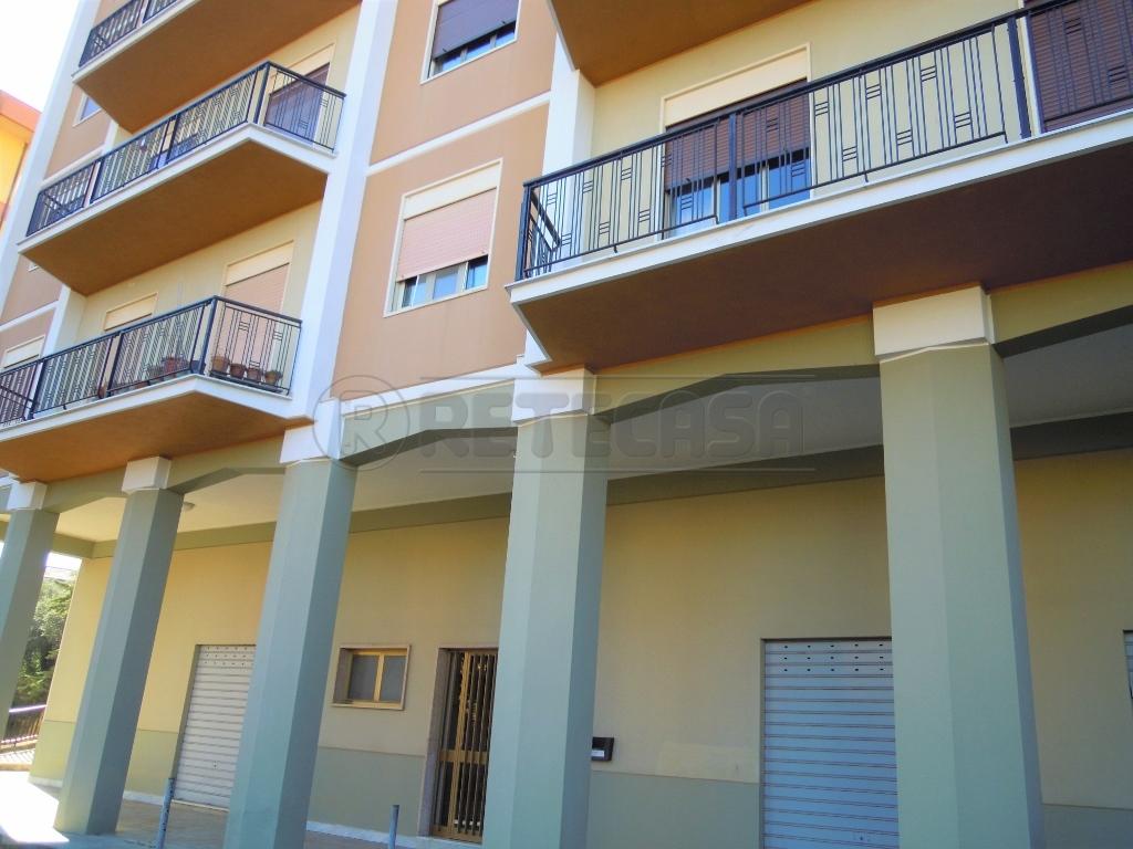 Appartamento in buone condizioni in vendita Rif. 7292789