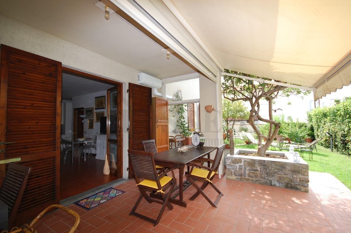 Appartamento in buone condizioni in vendita Rif. 11245423
