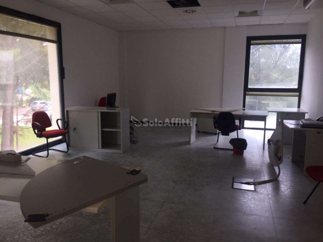 Ufficio - oltre 4 locali a Chieti Scalo, Chieti Rif. 8558627