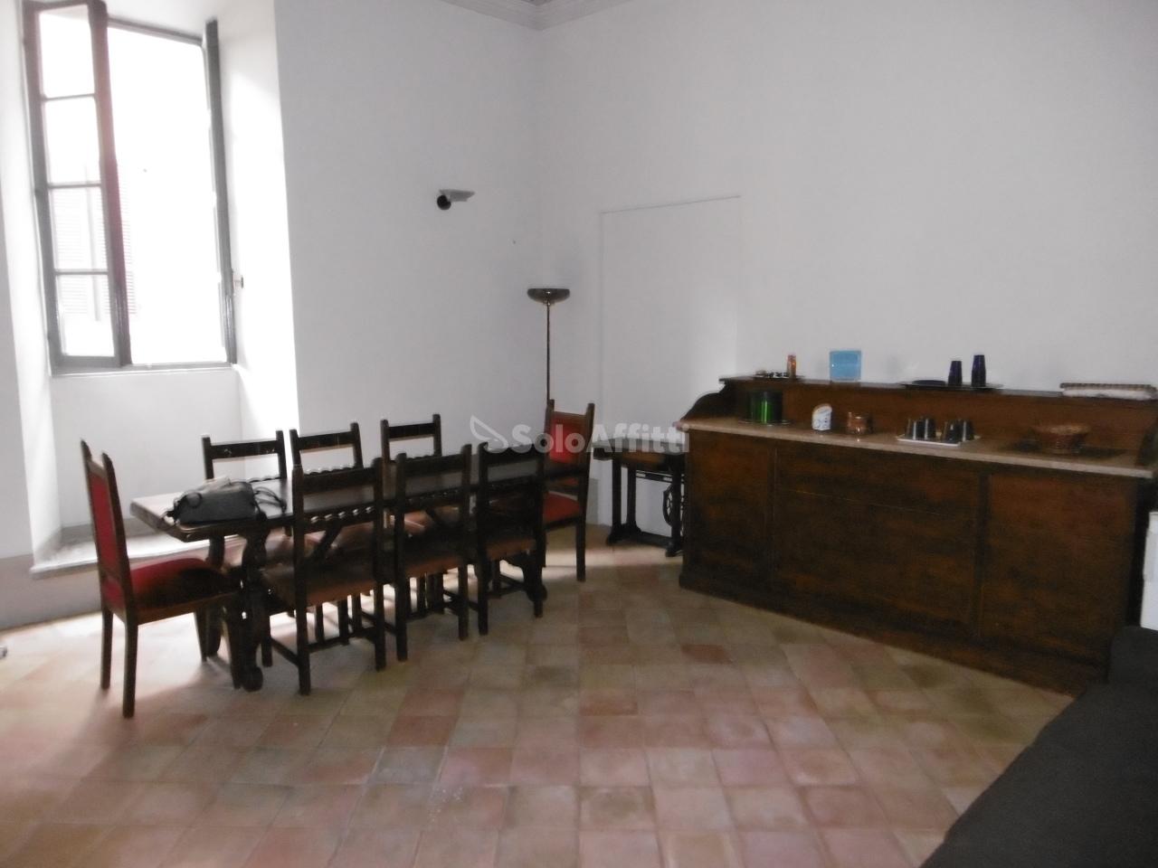 Bilocale in ottime condizioni in affitto Rif. 8197653
