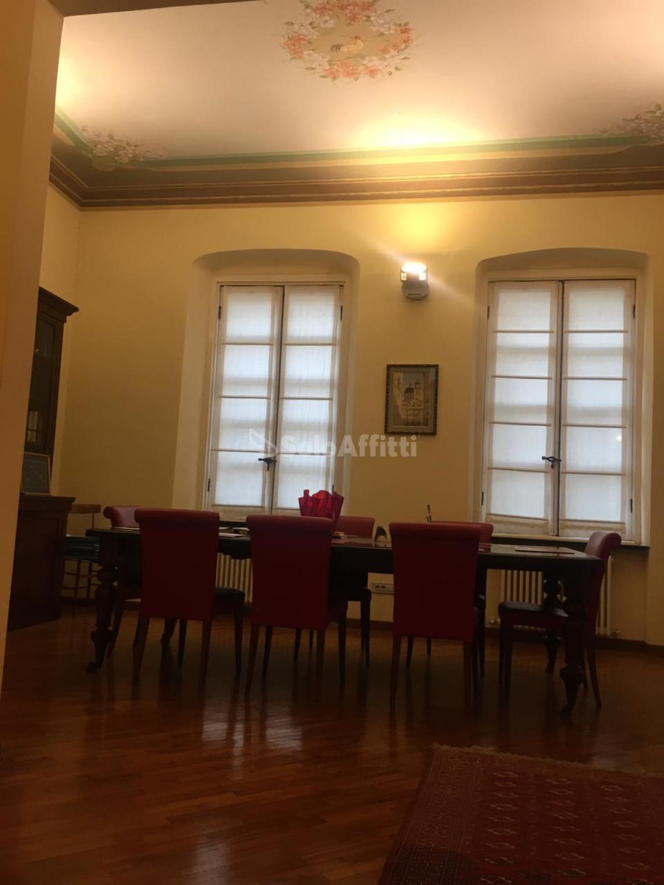 Ufficio / Studio in affitto a Chiavari, 4 locali, prezzo € 600 | PortaleAgenzieImmobiliari.it