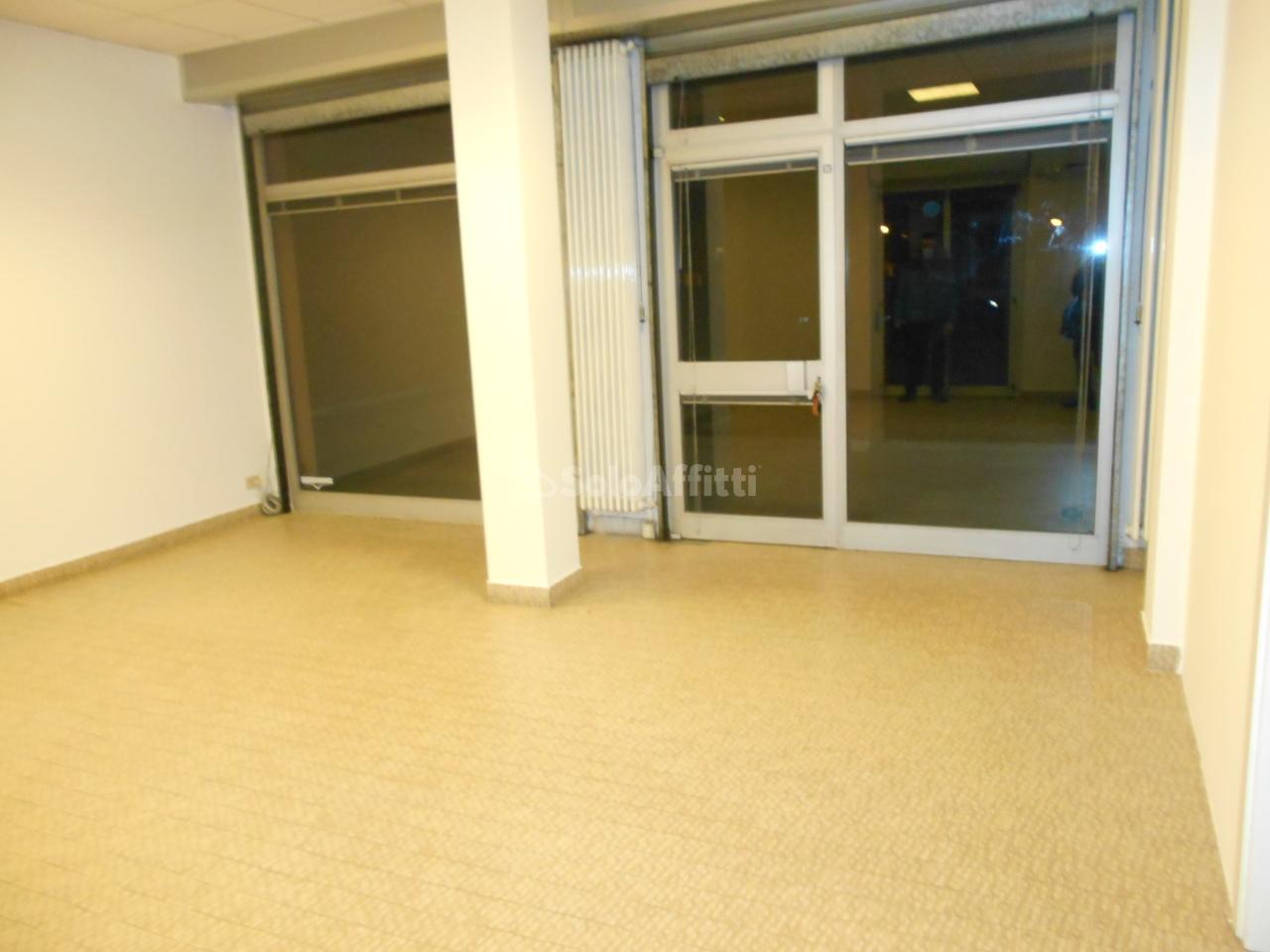 Negozio / Locale in affitto a Cermenate, 2 locali, prezzo € 450 | PortaleAgenzieImmobiliari.it