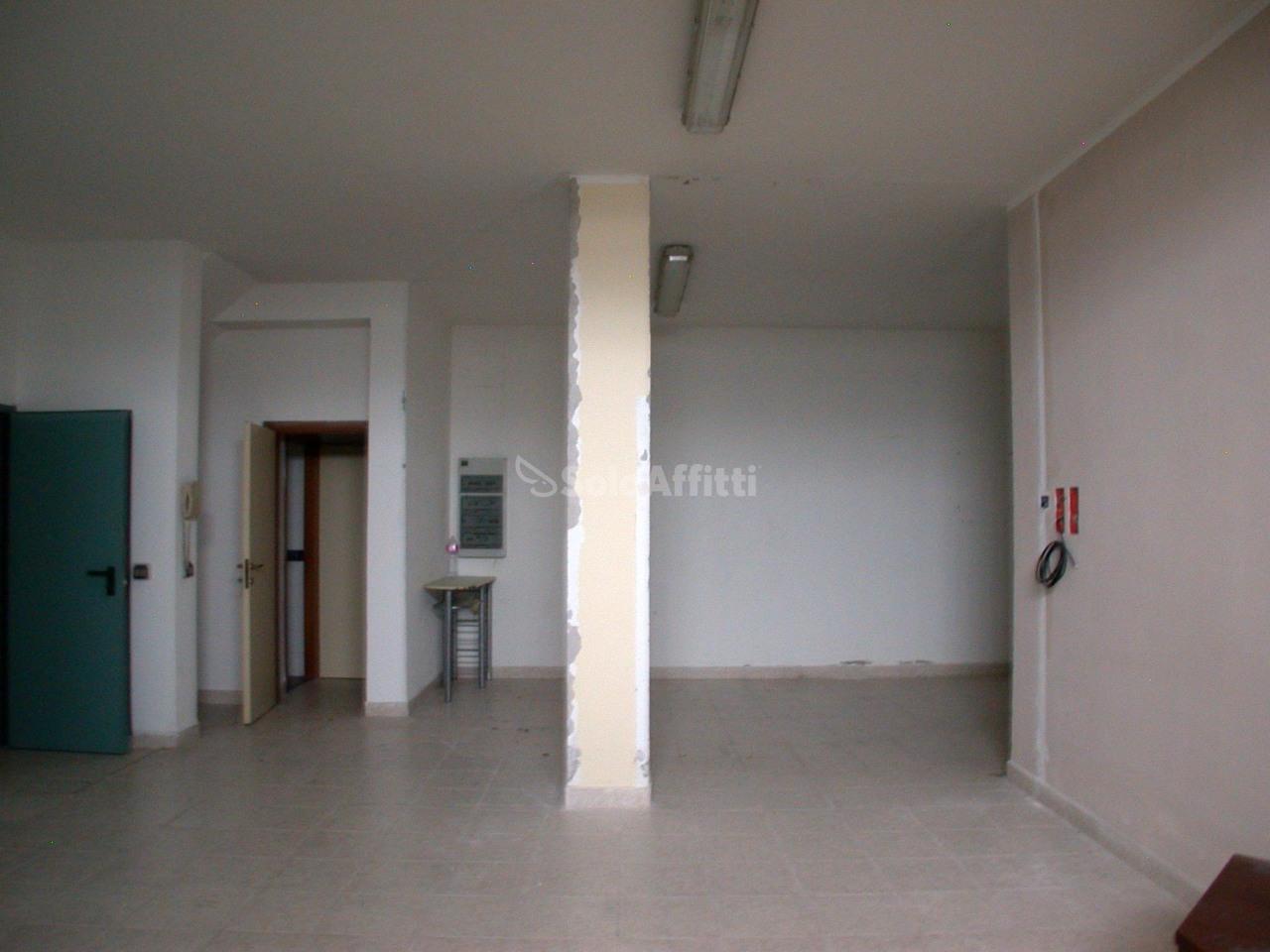Appartamento - 6 locali a Carrara, Fano