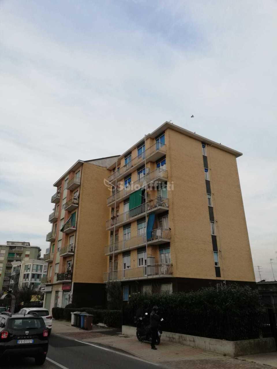 Trilocale in ottime condizioni in affitto Rif. 12389163