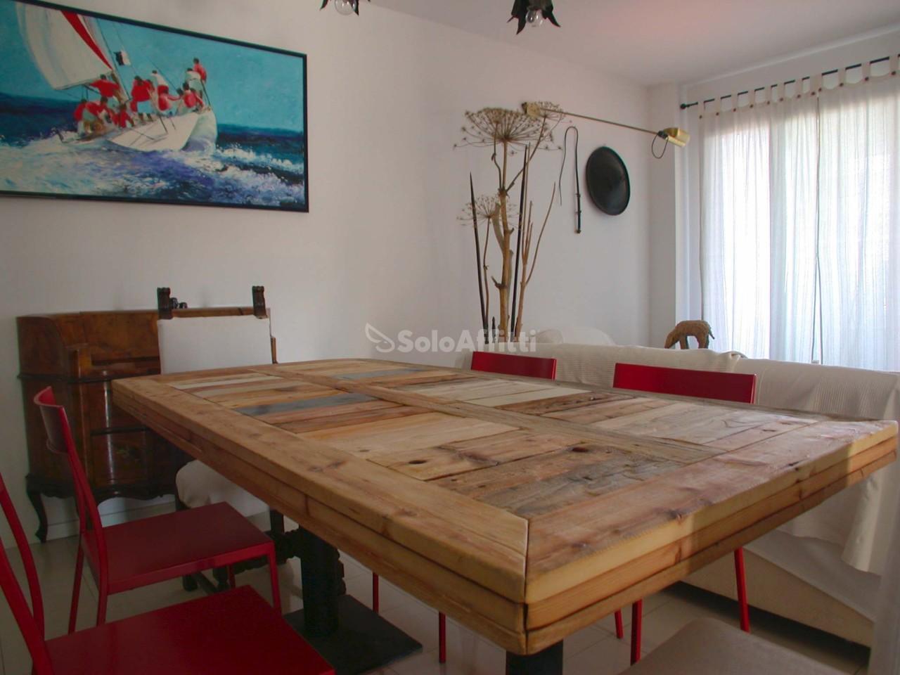 Appartamento in ottime condizioni arredato in affitto Rif. 9418731