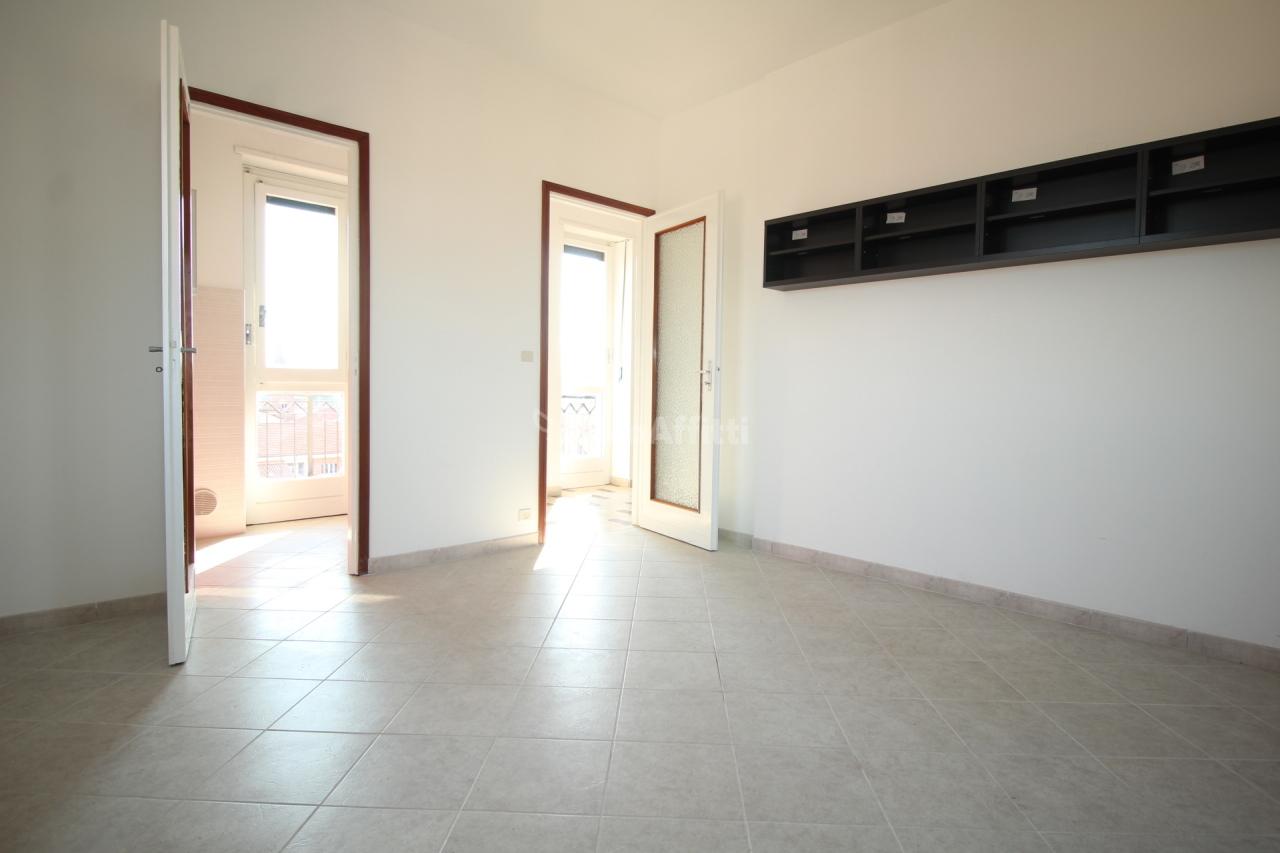 Bilocale in buone condizioni in affitto Rif. 9902563