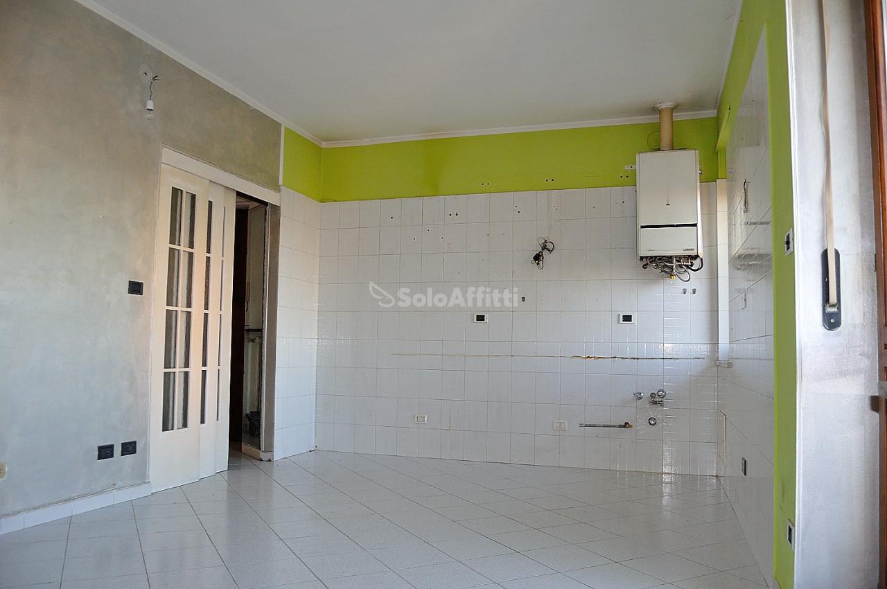 Trilocale in buone condizioni in affitto Rif. 9107786