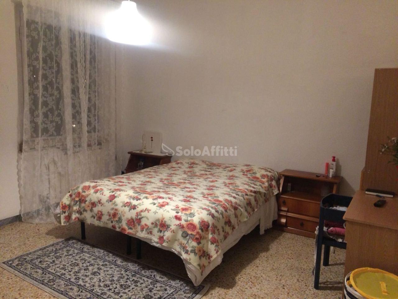 Stanza / posto letto in ottime condizioni arredato in affitto Rif. 5809071