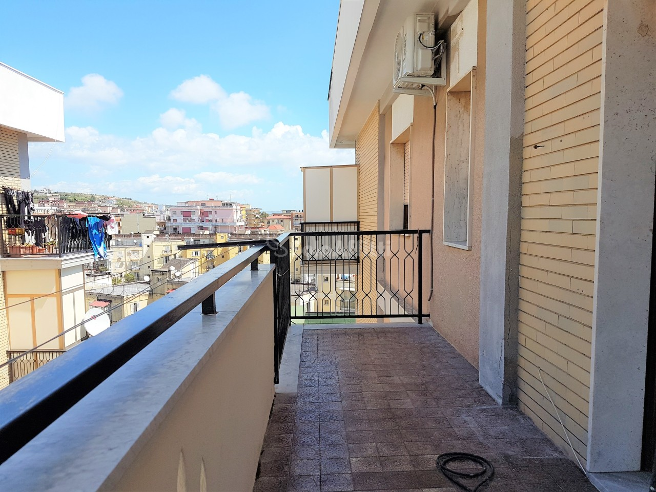 Trilocale in buone condizioni in affitto Rif. 11275060