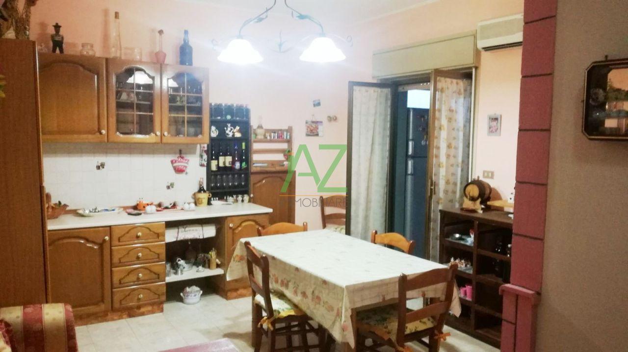 Appartamento da ristrutturare in vendita Rif. 6401635