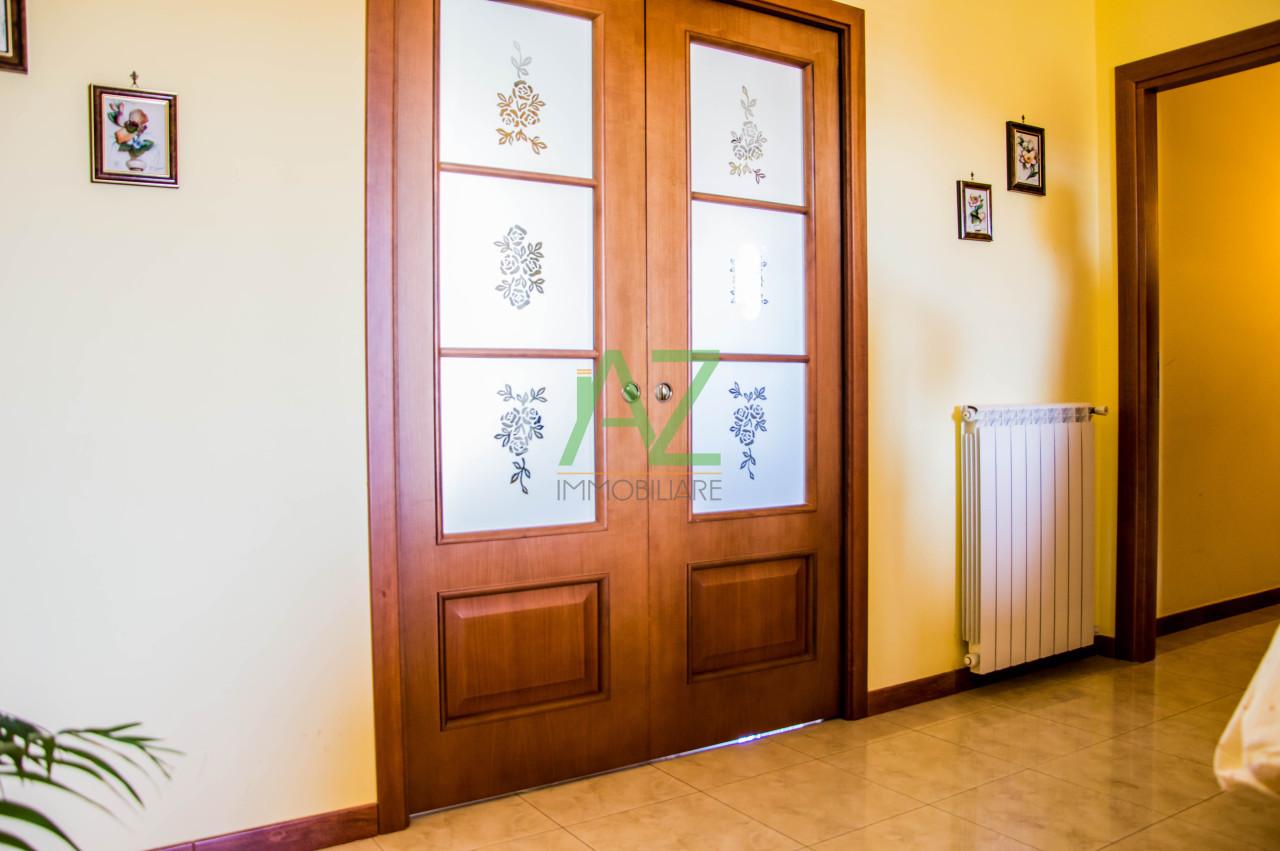 Appartamento in ottime condizioni in vendita Rif. 8502417